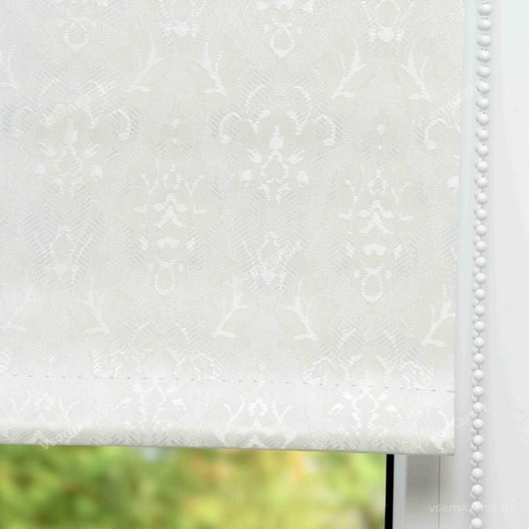 Рулонная штора БЛЭКАУТ «Ампир 07» Белая в коробе с направляющими