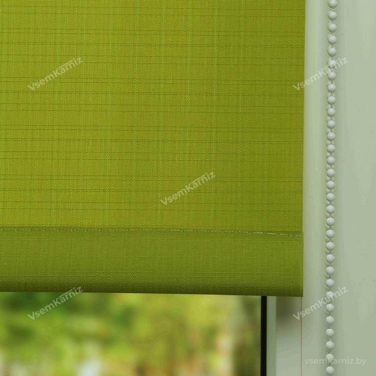 Рулонная штора «Лайт 04» Зеленая в коробе с направляющими